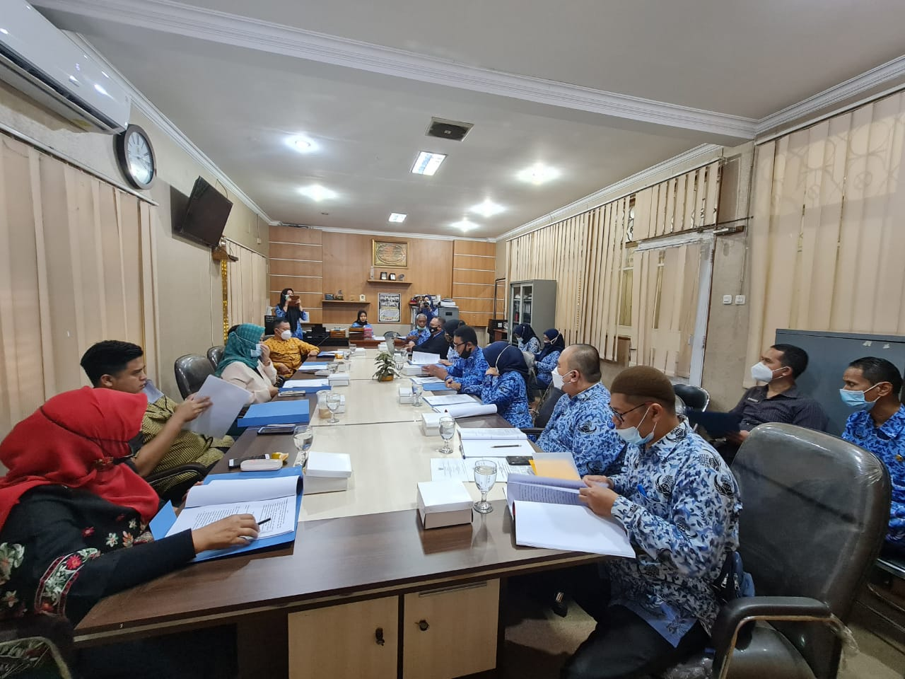 Rabu, 17 Februari 2021 Pembahasan Draf Raperda Penyelenggaraan Perlindungan Perempuan dan Anak bersama DPRD Komisi C