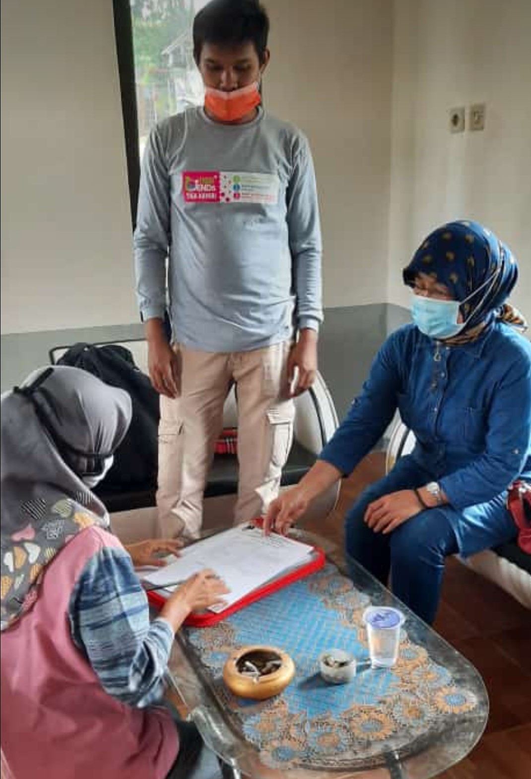 Jum'at, 22 Januari 2021 Pemberian Bantuan Kepada Warga Korban Kebakaran di Desa Pasirmunjul Kecamatan Sukatani