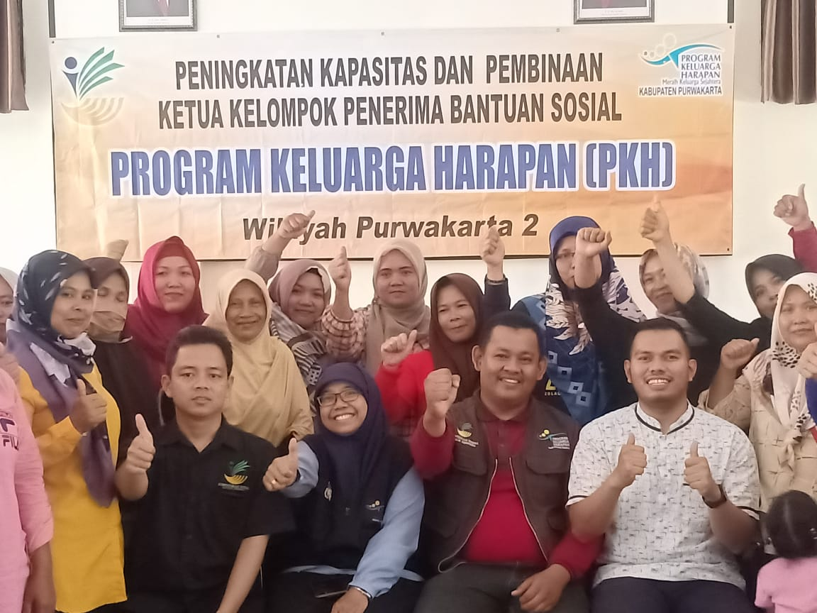 Pendamping PKH Kecamatan Sukatani Gelar Peningkatan Kapasitas Bagi Ketua Kelompok KPM